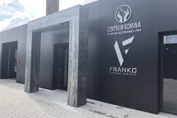 Elewacja - wejście Collection Nero