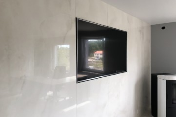 Ściana TV z Onice Bianco