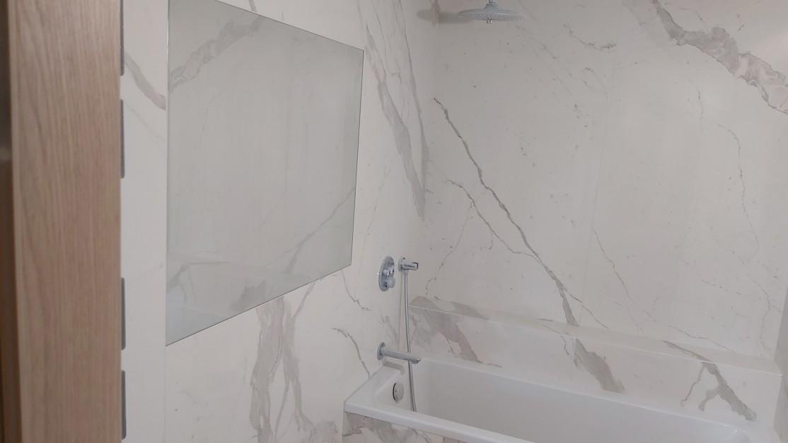 Łazienka z Bianco Statuario Venato 5,5 mm poler