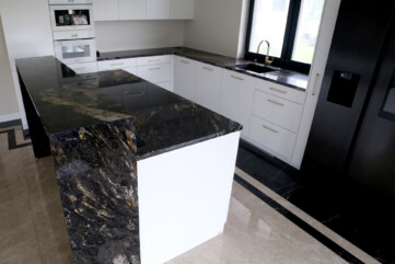 Wyspa granit Cosmic Gold