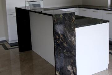 Kuchnia, granit cosmic gold