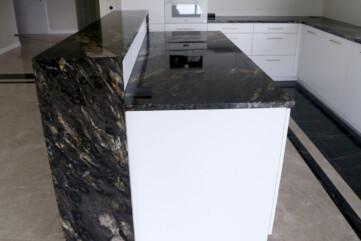 Blaty granit cosmic gold