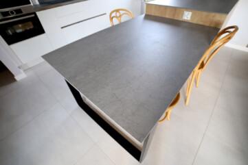 Wyspa w kuchni spiek Pietra di Savoia Grigia